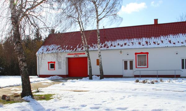 Tűzoltószertár épülete